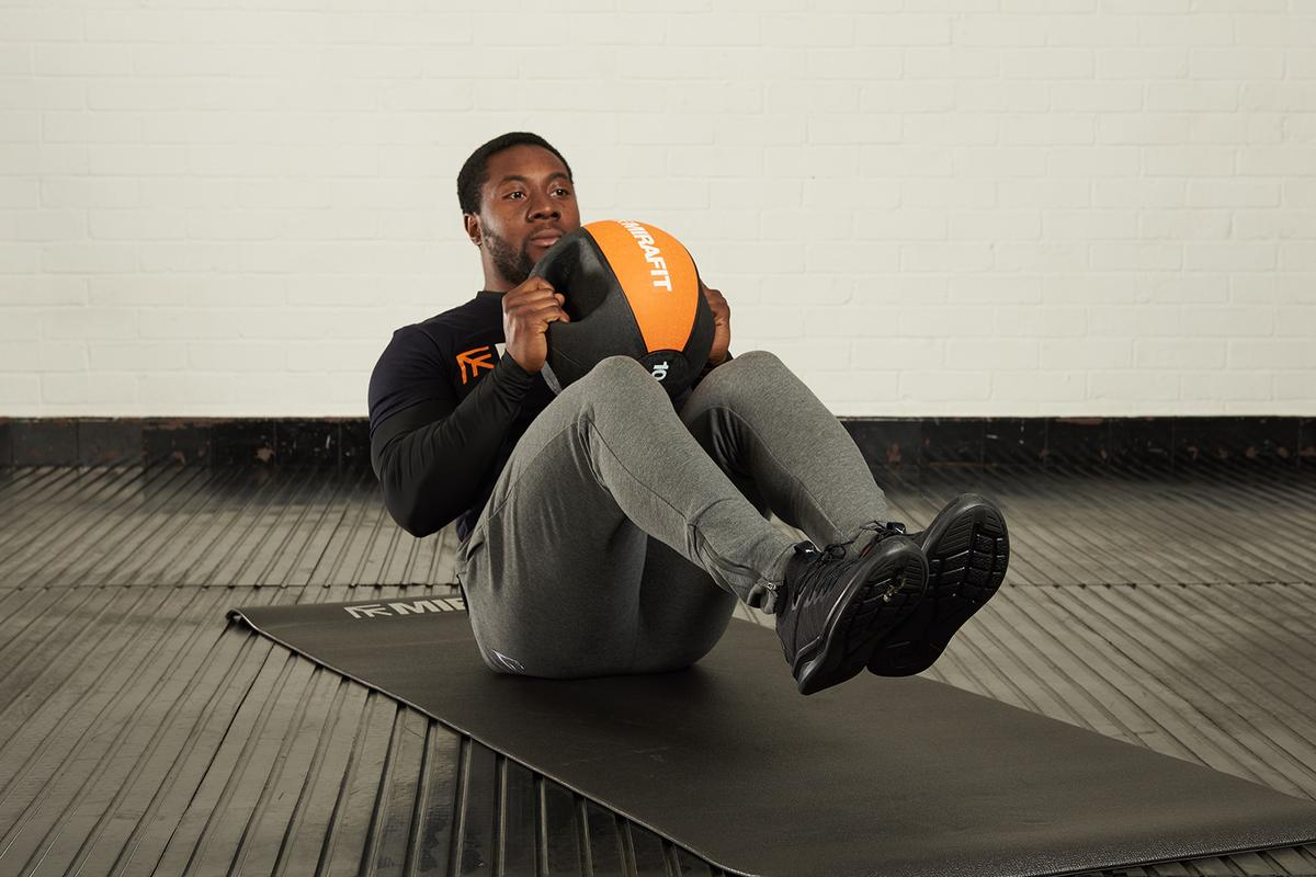 10 best medicine ball exercises (for a full body workout)
